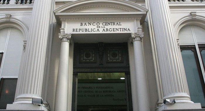 El BCRA confía en que el viernes se normalizará la venta de dólares por homebanking