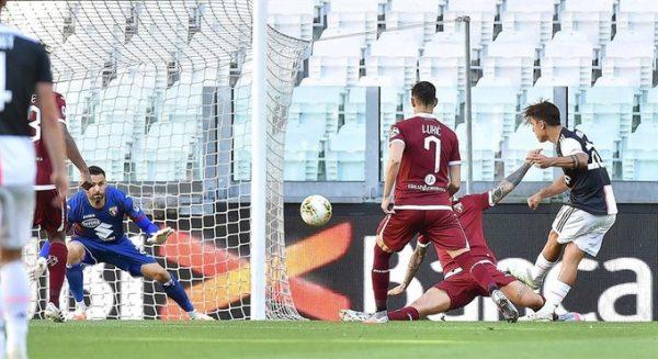 Dybala anota en la goleada del líder Juventus sobre Torino en el clásico