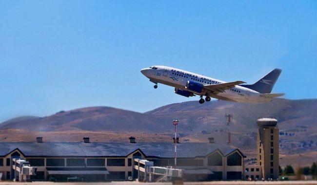Habrá otros 27 destinos: el primer vuelo de Aerolíneas llegaría a Bariloche el próximo viernes