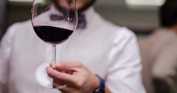 Se disparó el consumo de alcohol y analizan restricciones