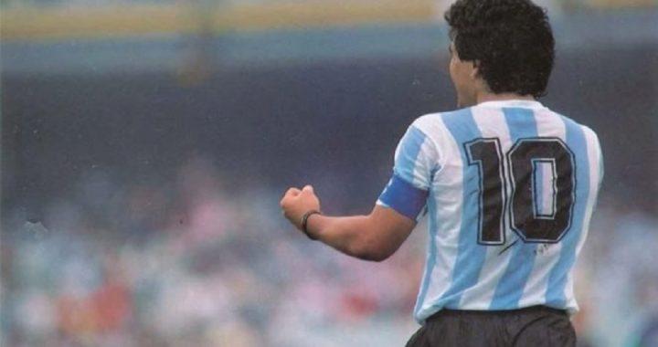 Adiós a una leyenda: multitudinaria despedida a Maradona, quien fue sepultado en la provincia de Buenos Aires