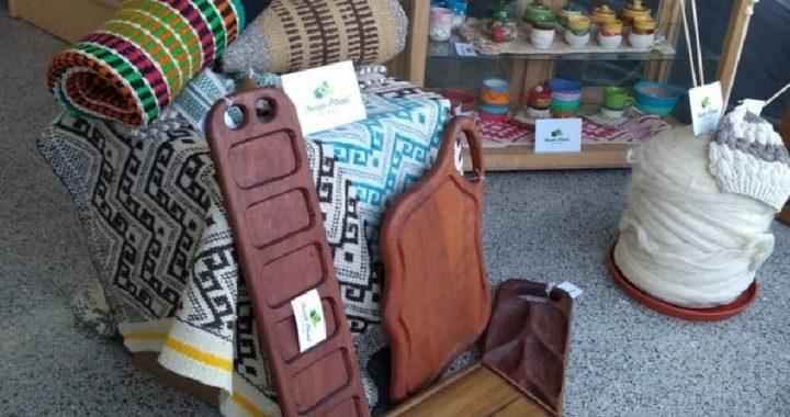 Con productos rionegrinos, el Mercado Artesanal dice presente en Las Grutas