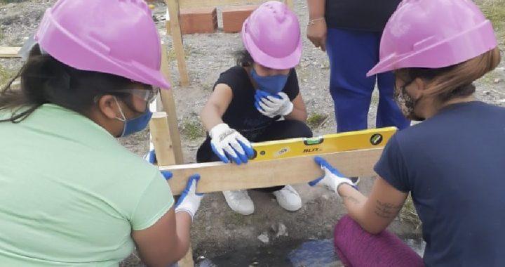Mujeres constructoras, un proyecto de vida que ya tiene sus primeros resultados