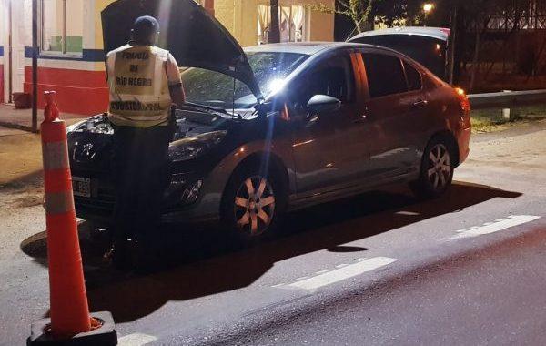 Chichinales: recuperan un auto robado en Buenos Aires durante un control vehicular