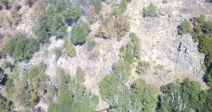 El Bolsón: se realizan vuelos de reconocimiento en la zona del incendio