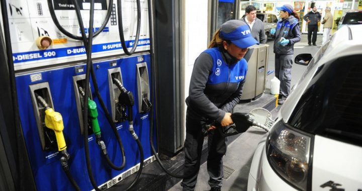 Suben otro 6% los combustibles