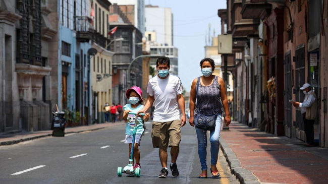 Países sudamericanos imponen nuevas restricciones ante el avance de la pandemia