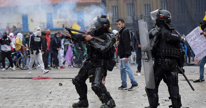 Murió en Colombia un estudiante baleado durante una manifestación pacífica