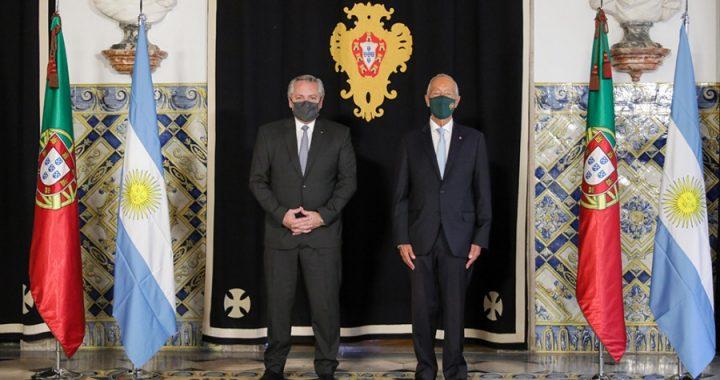 El presidente se reunió con su par de Portugal, en el primer día de su gira europea