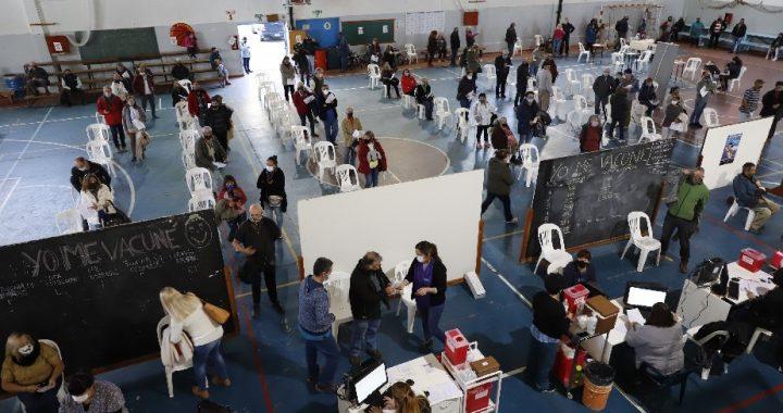 COVID-19: récord en Bariloche con 1.256 vacunados