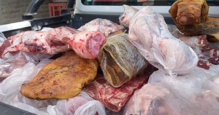 Policía decomisó más de 800 kilos de carne en comercios de Villa Regina y Chichinales