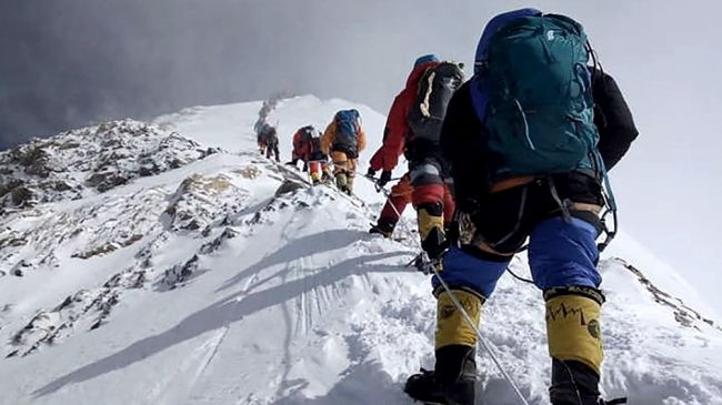 China planea demarcar la frontera en la cima del Everest debido al coronavirus