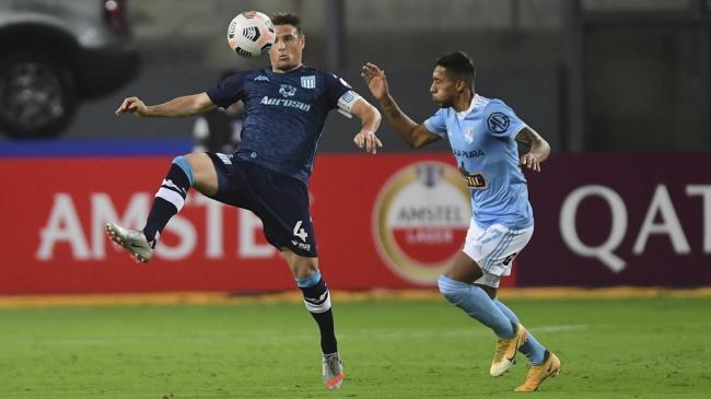 En la Libertadores triunfo de Racing. Independiente empató ante el City Torque y Talleres con Deporte Tolima por la Sudamericana