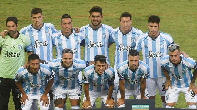 Atlético Tucumán se impuso 5 a 0 ante Defensa y todavía sueña con la clasificación