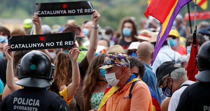 Miles de españoles protestan en Madrid contra los indultos a los separatistas catalanes