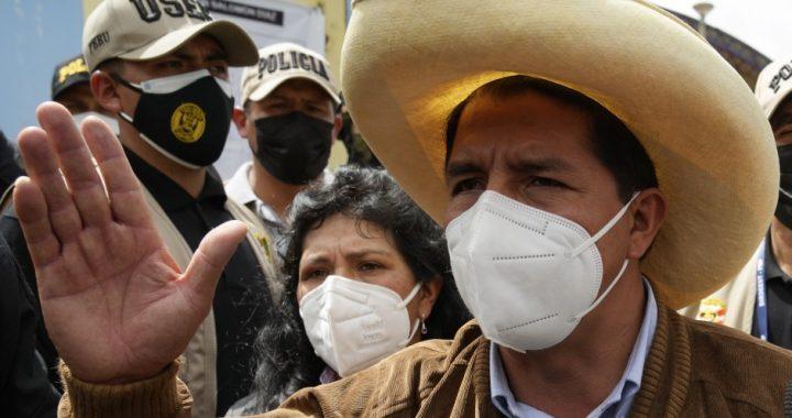 Terminó el escrutinio en Perú: Castillo ganó por 44 mil votos