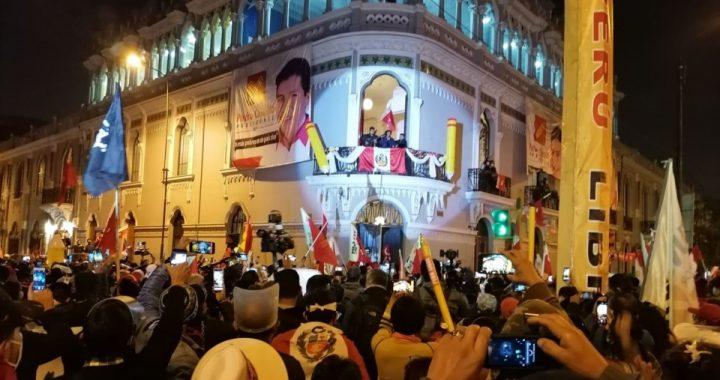 Presidenciales en Perú: crecen la inquietud y la tensión ante la indefinición