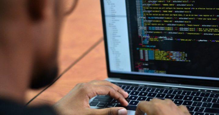 Argentina Programa: sigue el plan para capacitarse gratis y online en el sector que paga hasta $200.000