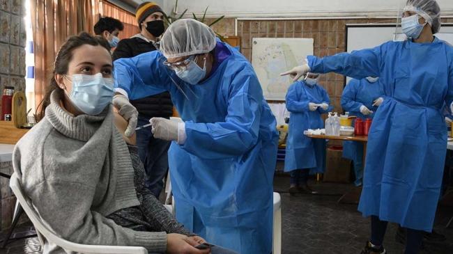 Uruguay ya tiene a 60% de su población con al menos una vacuna