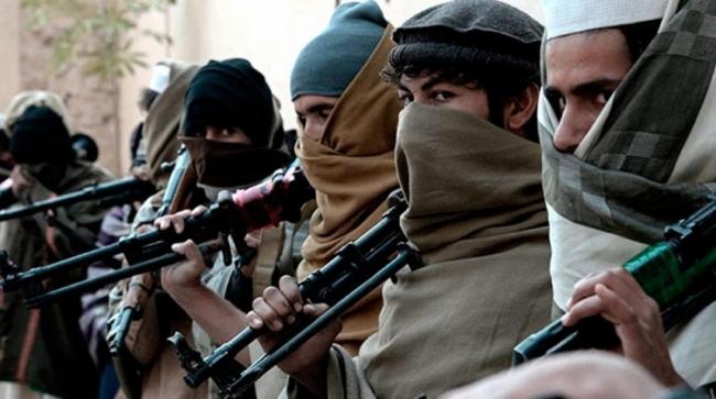 Feroces combates dejaron decenas de civiles muertos en una ciudad sitiada por los talibanes