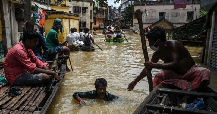 Las lluvias monzónicas dejan muertos y miles de evacuados en India