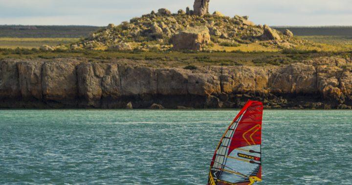 """""""Piedra Toba"""" de Puerto Deseado: un gigante de mil historias que mira al Atlántico Sur"""