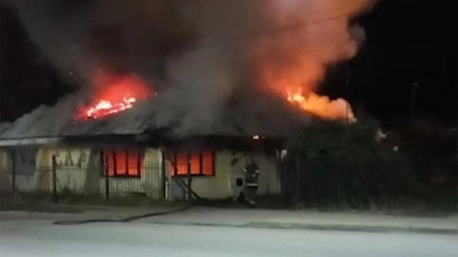 Nuevo ataque de grupo mapuche destruyó el club más emblemático de El Bolsón