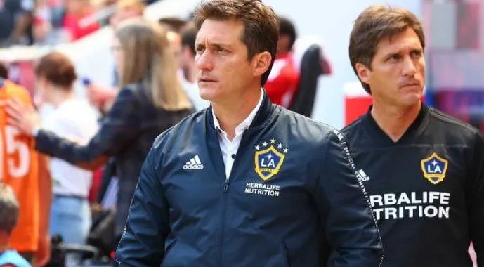 Tras la salida de Berizzo, Paraguay tendrá otro DT argentino: Barros Schelotto arregló su contrato